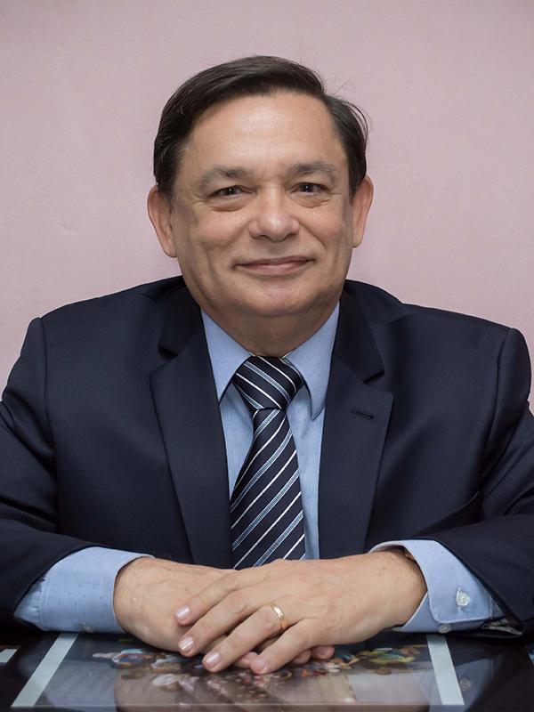 César Oliveira de Barros Leal